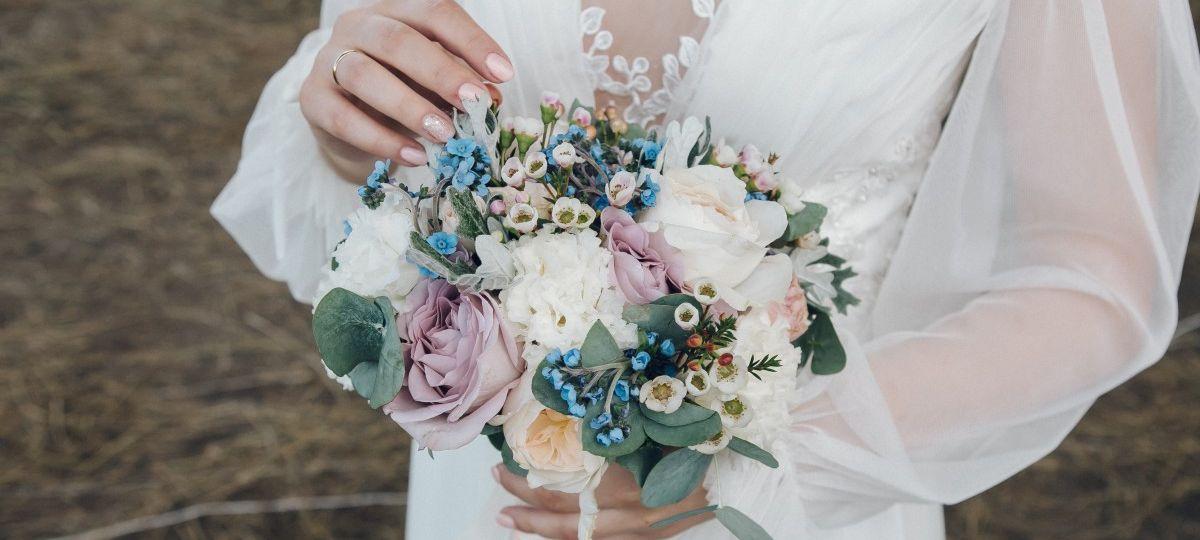 Букет невесты и бутоньерка для Александра и Олеси