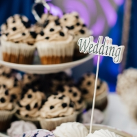 Оформление candy-бара на свадьбе. Candy bar в золотом цвете